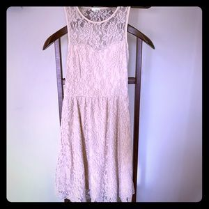 🌸Beige lace dress🌸